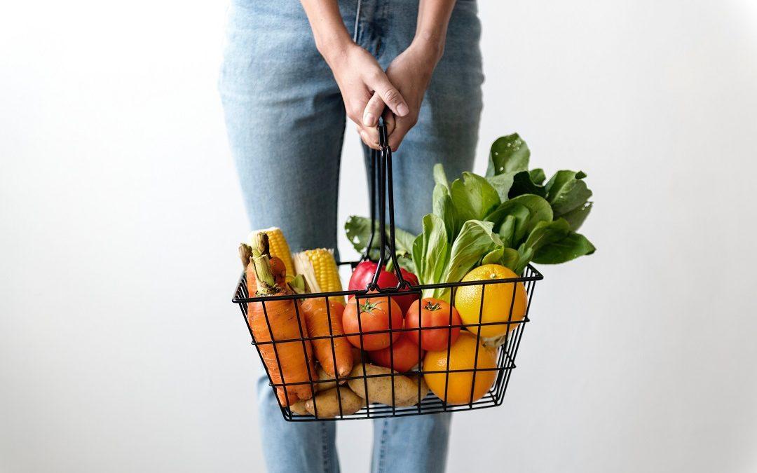 Grönsaker i varukorg